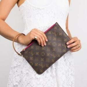 Beige interior Authentic Wristlet Louis Vuitton